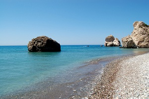 Камень Афродиты: большой и черный