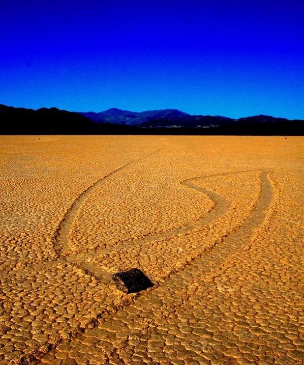 9-Блуждающие камни в Долине смерти